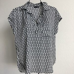 Pleione patterned top